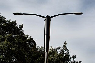 Philips and City of San Jose partner to deploy Philips SmartPoles pilot project combining energy efficient LED street lighting with wireless broadband technology from Ericsson