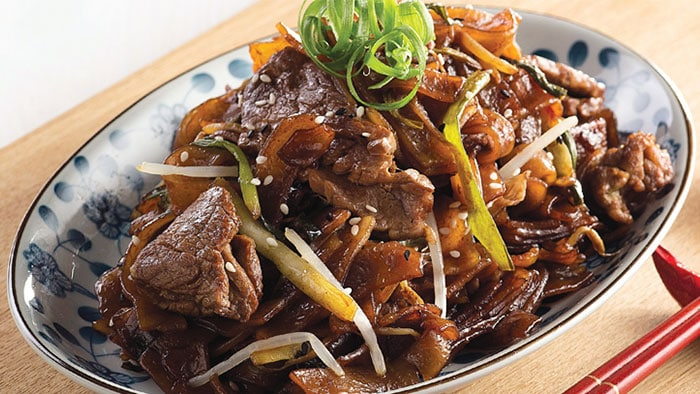 Stir Fried Rice Noodles With Wagyu Beef And Premium Soy Sauce Philips