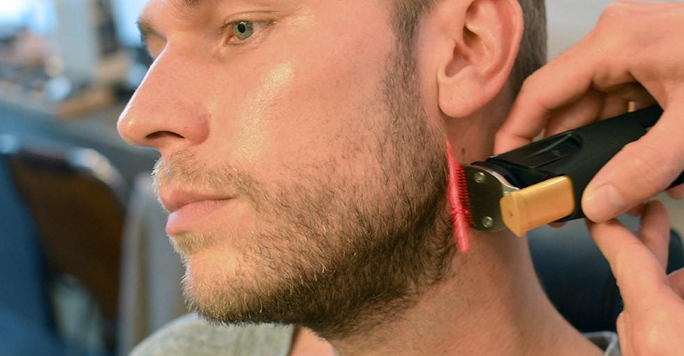 Beard neckline trimmed in 5 steps philips how to trim a perfect beard neckline urmus Choice Image