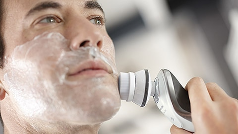 Men are more sensitive than they think – Philips Shaver series 7000 designed for maximum comfort