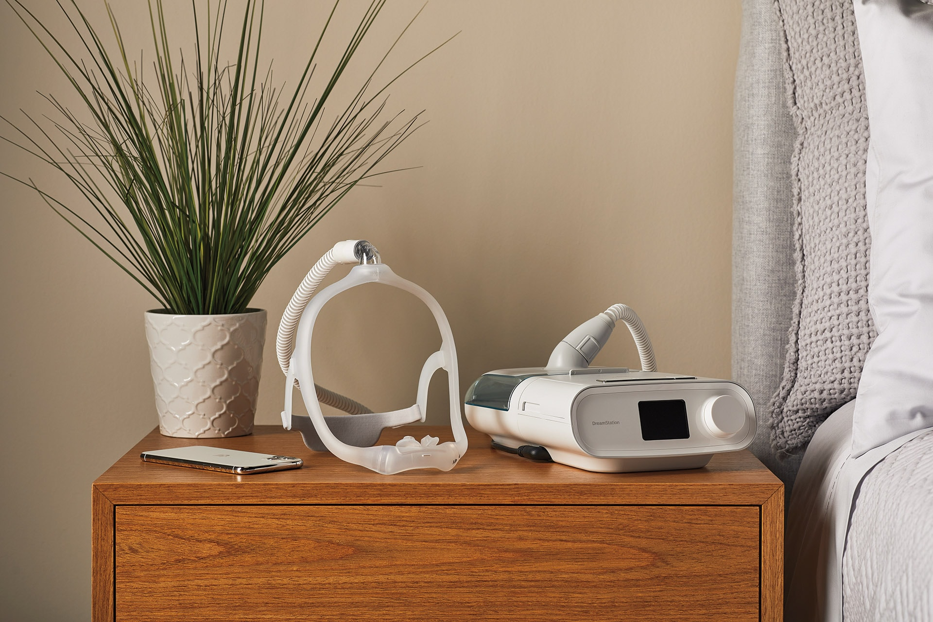 Download image (.jpg) Philips data-designed DreamWear Silicone Pillows CPAP mask