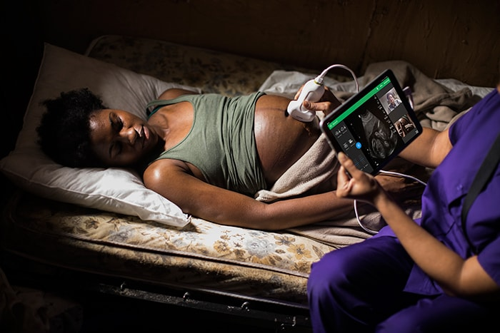 Philips Lumify Reacts midwife remote location