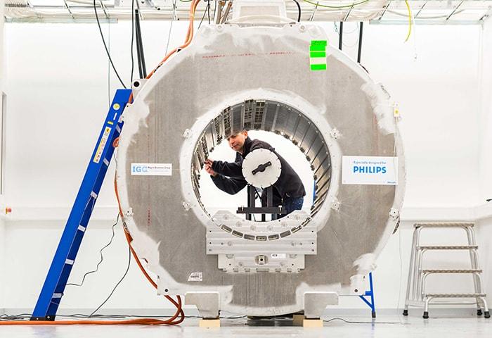 Download image (.jpg) Refurbishment Process MRI