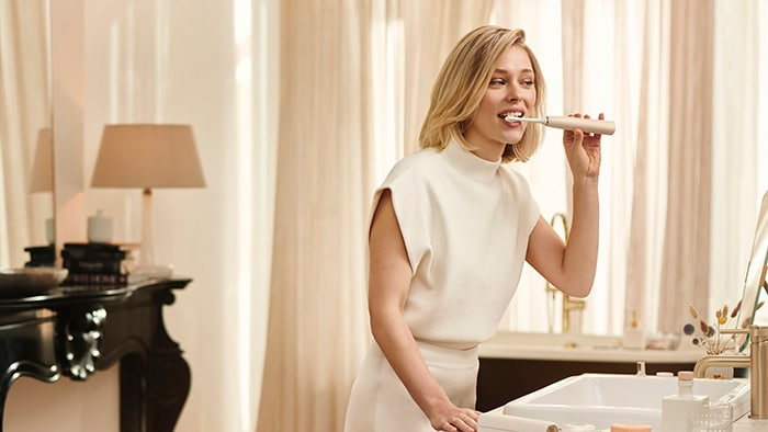 Philips' most advanced power toothbrush with SenseIQ technology that always gets you