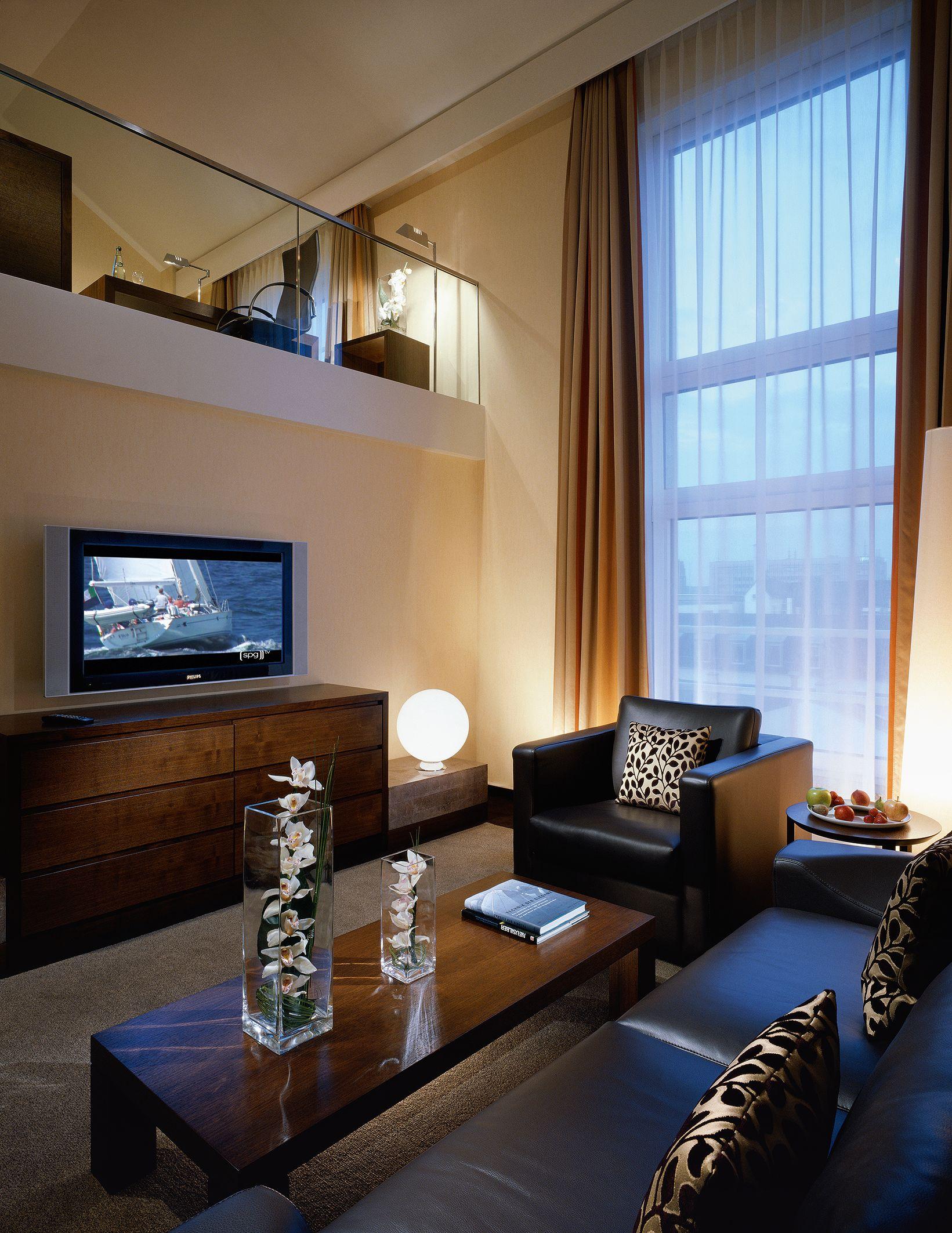 das westin grand hotel in frankfurt in neuem licht. Black Bedroom Furniture Sets. Home Design Ideas