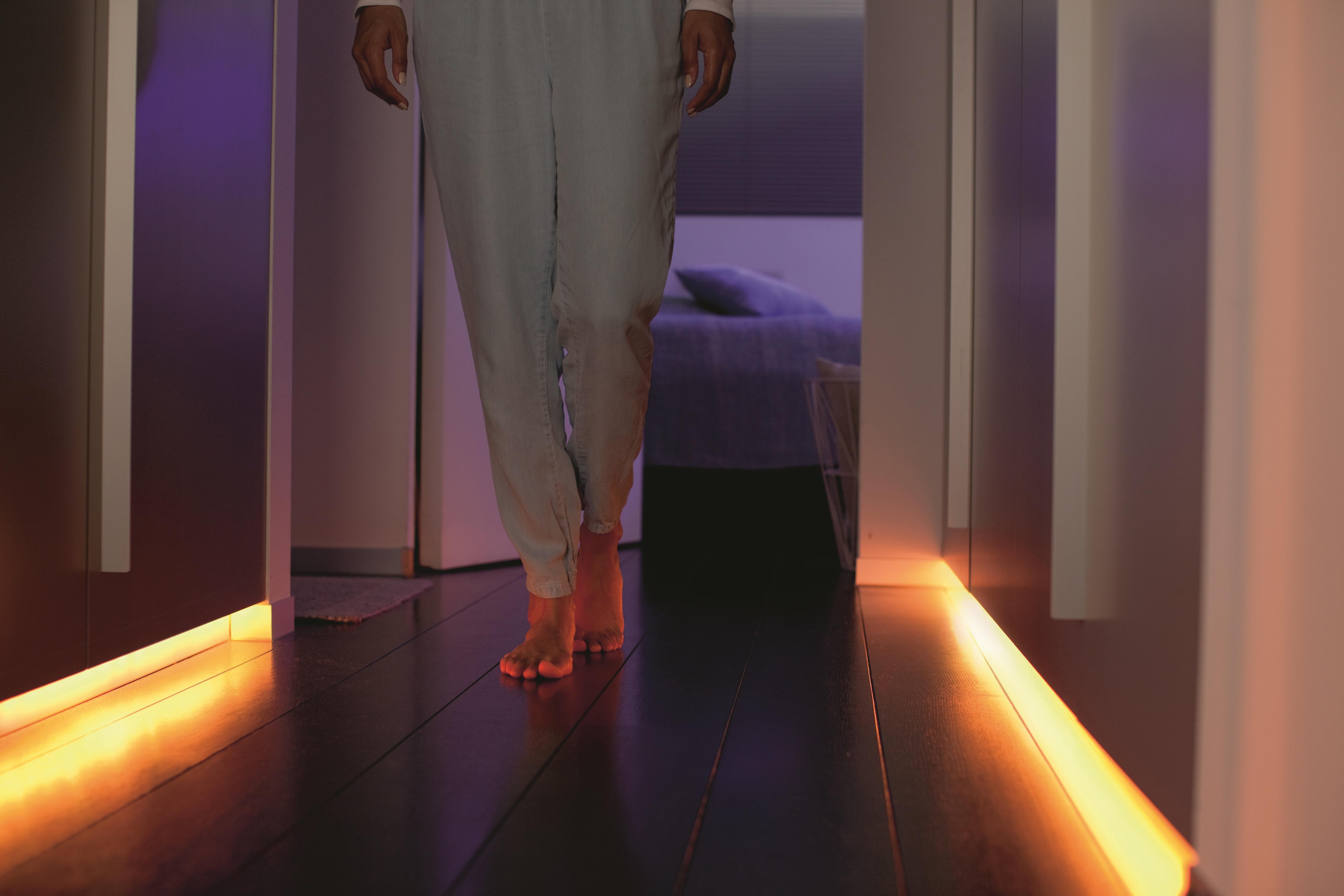 Led Strip Licht : Philips hue lightstrip plus genügend licht für einen ganzen raum