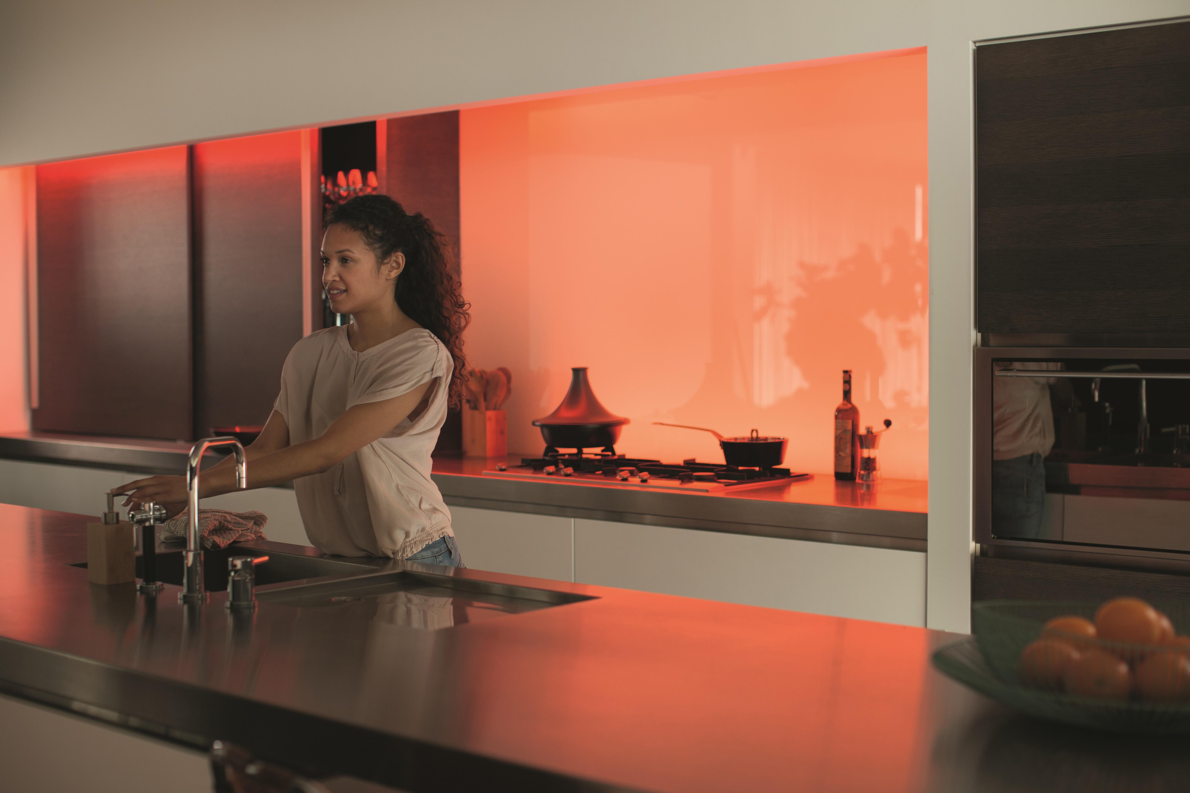 Philips Licht Hue : Philips hue lightstrip plus genügend licht für einen ganzen raum
