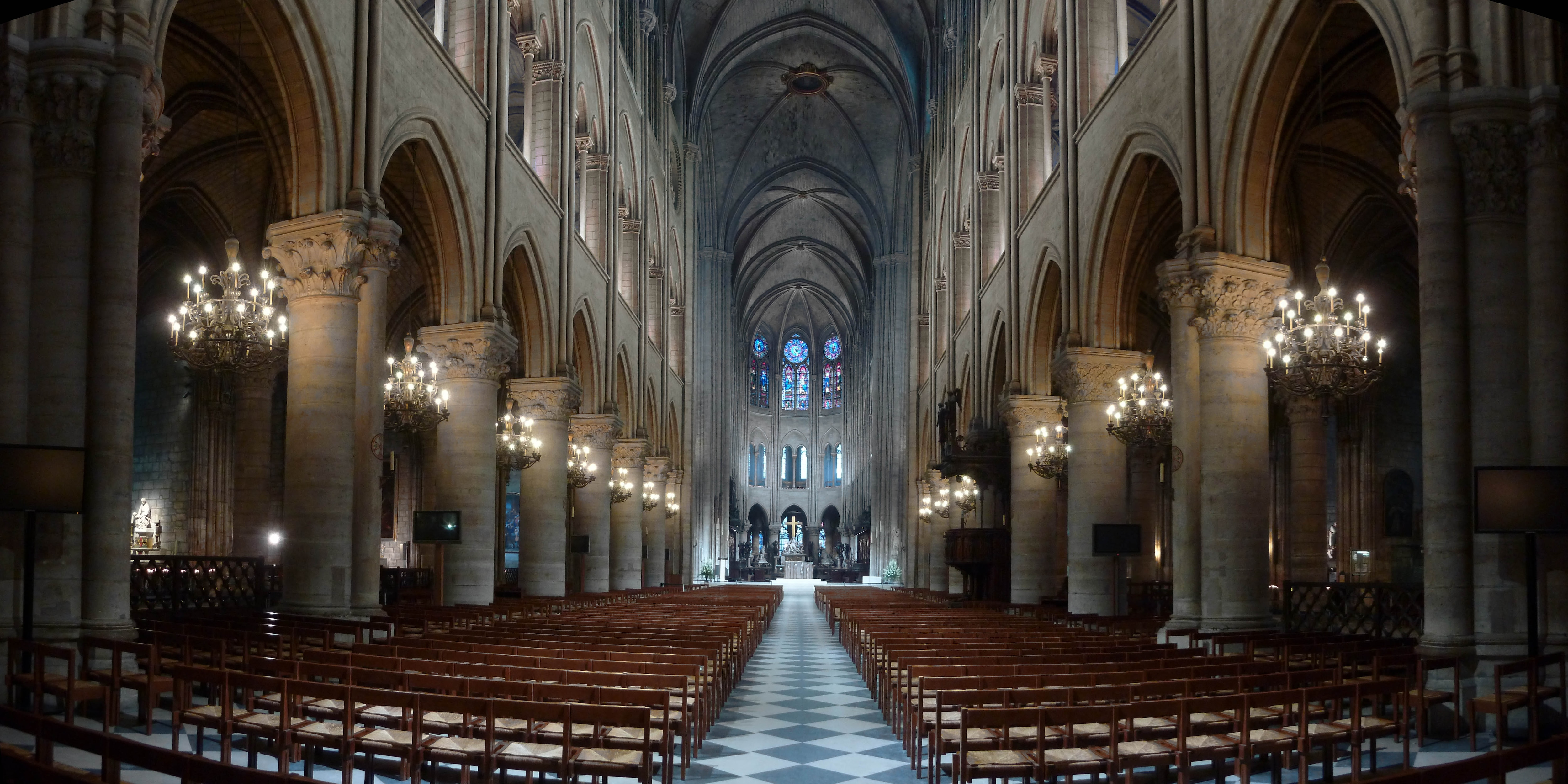 philips lights up notre dame as never seen before. Black Bedroom Furniture Sets. Home Design Ideas