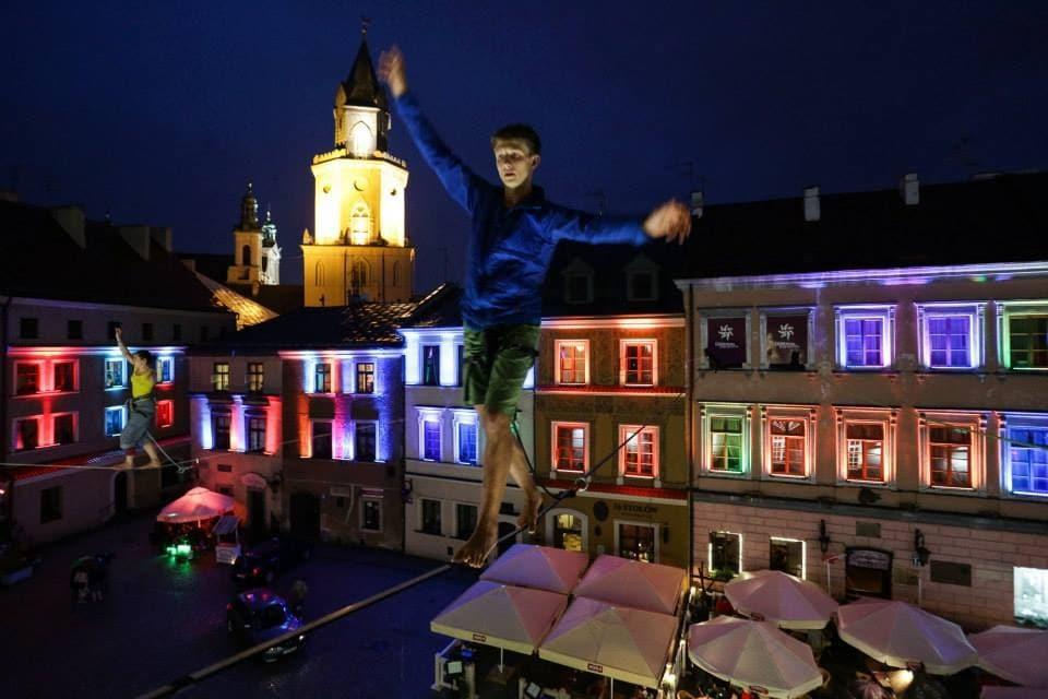 [Obrazek: Carnaval-Sztukmistrzow-iluminacja-Philips-1.jpg]