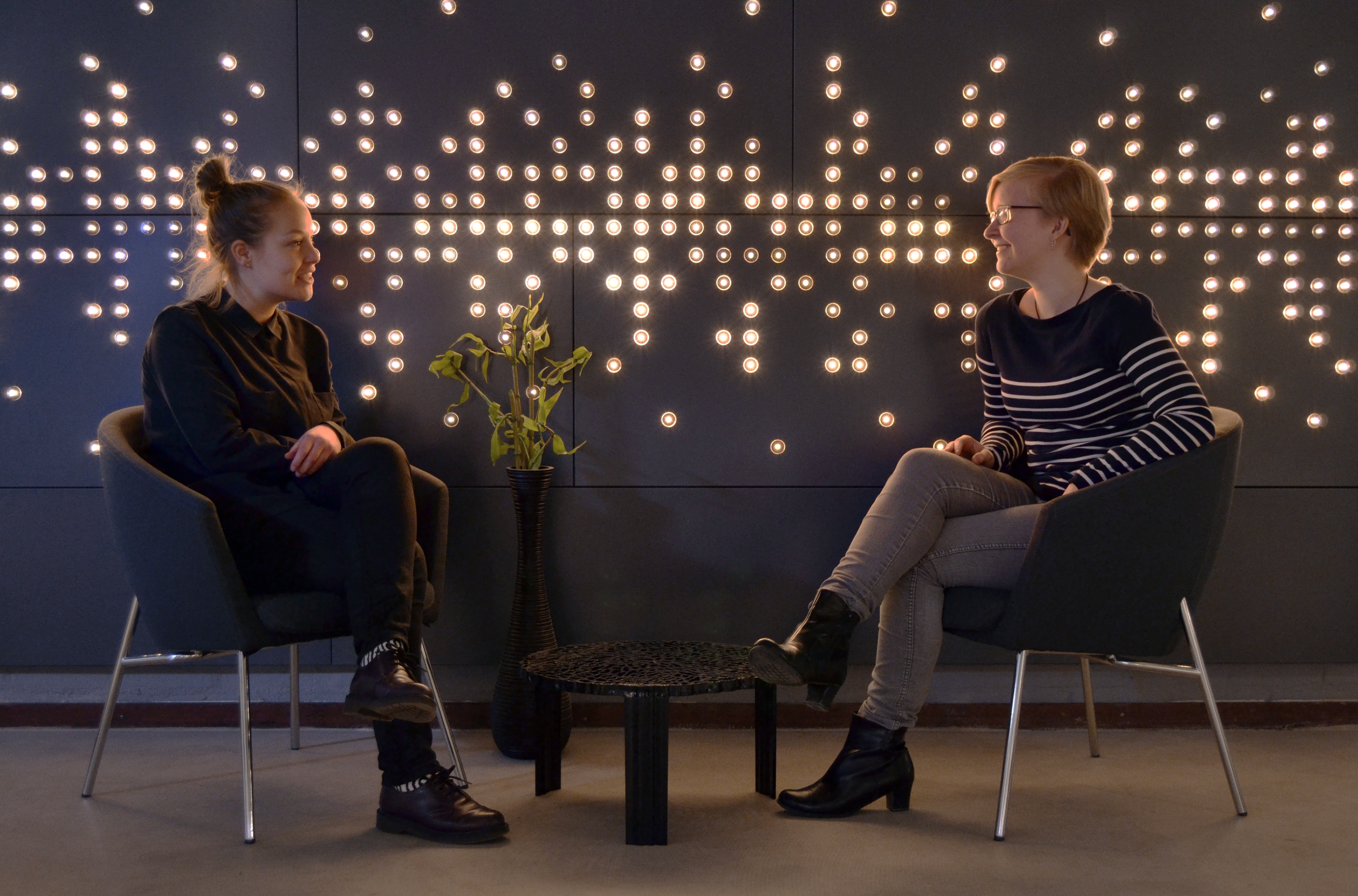 Philips Makes Interior Walls Shimmer Dazzle And Delight